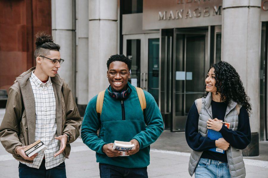 Cơ hội nhập cư cho sinh viên quốc tế tốt nghiệp tại Canada qua 6 chương trình nhập cư mới