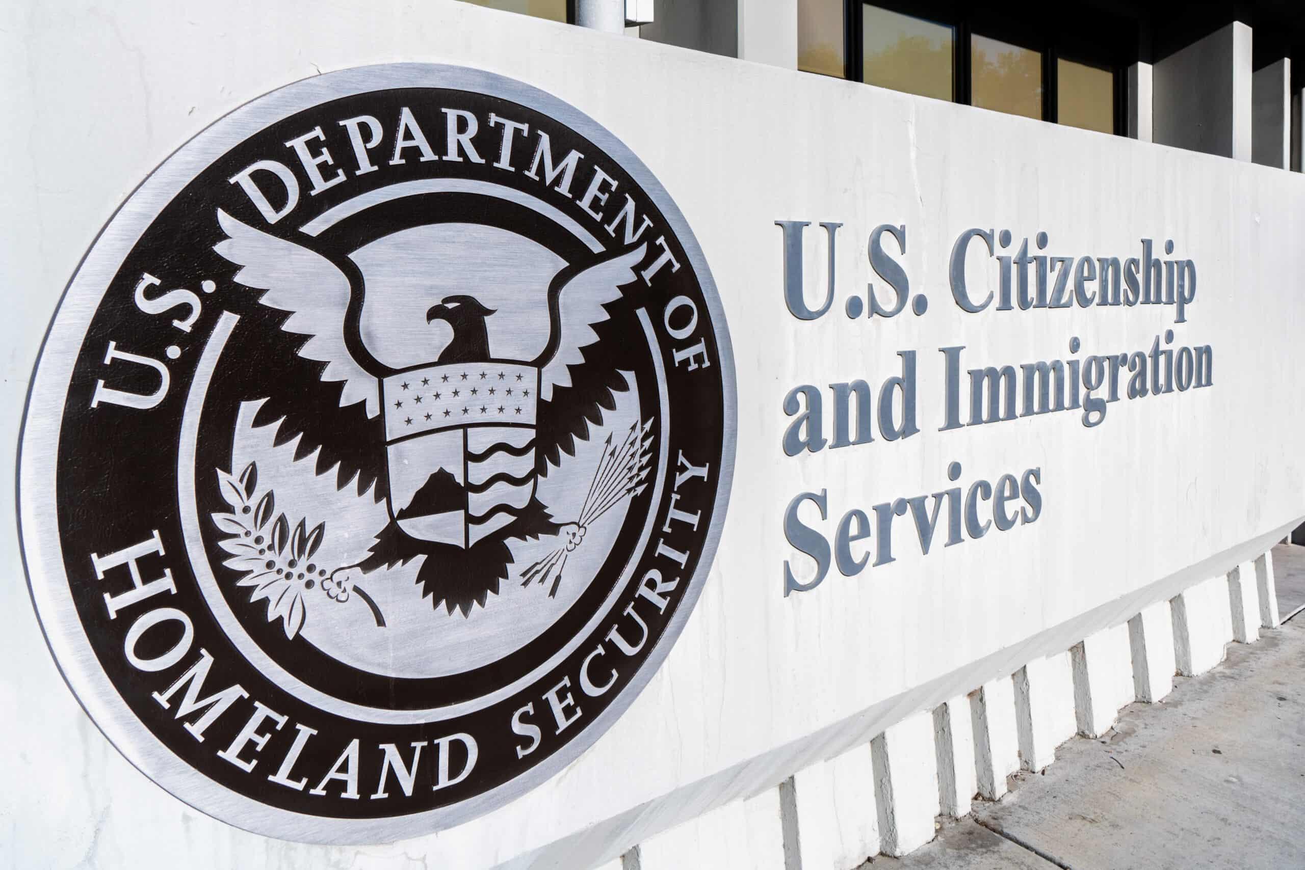 USCIS Nộp đơn xin thị thực Hoa Kỳ