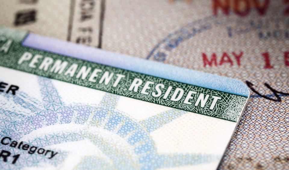 Điểm khác biệt giữa các chương trình định cư Mỹ và thẻ xanh ở diện EB1 EB2 và EB3
