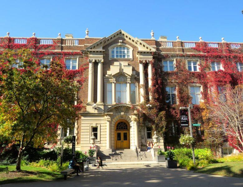 Trường đại học Alberta Canada