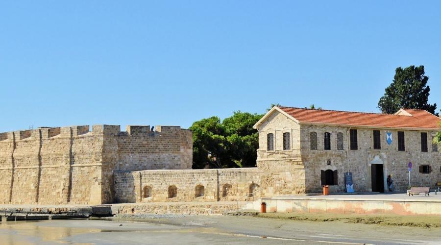 Larnaca-Thành phố ở síp