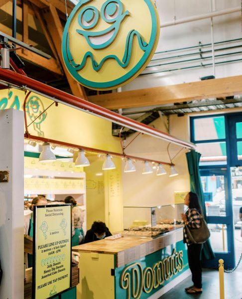 Khám phá Canada - Tiệm bánh tại Vancouver - Lee Donuts
