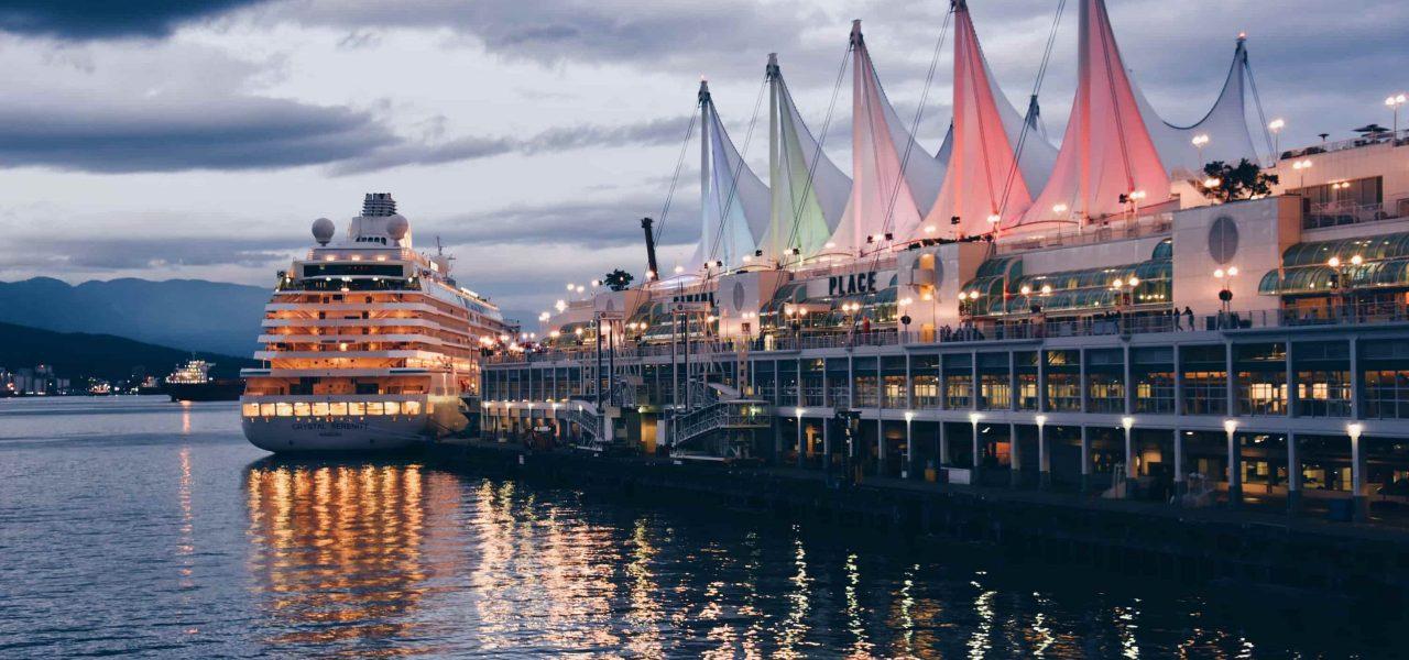 Du lịch đến Canada bằng du thuyền cho người có tiền án - Vancouver Canada