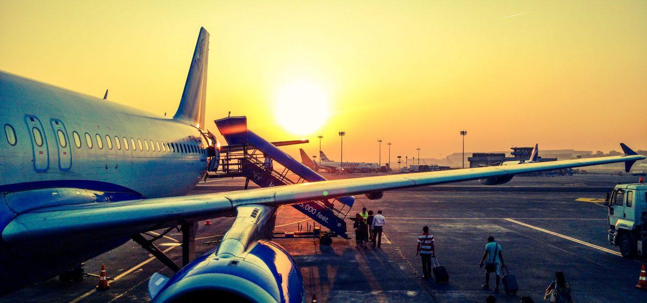 chính phủ Canada cấm các chuyến bay từ Ấn Độ và Pakistan